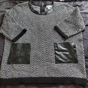 NWT Calvin Klein top black /white, Large
